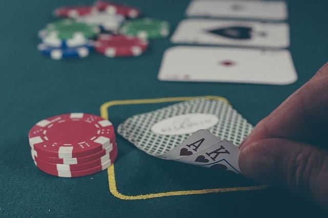 belle main au poker