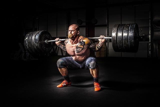 bodybuilder à l'entraînement