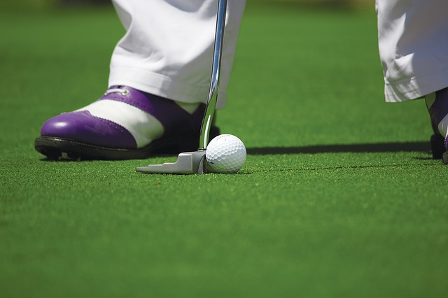 golfeur avec club de golf